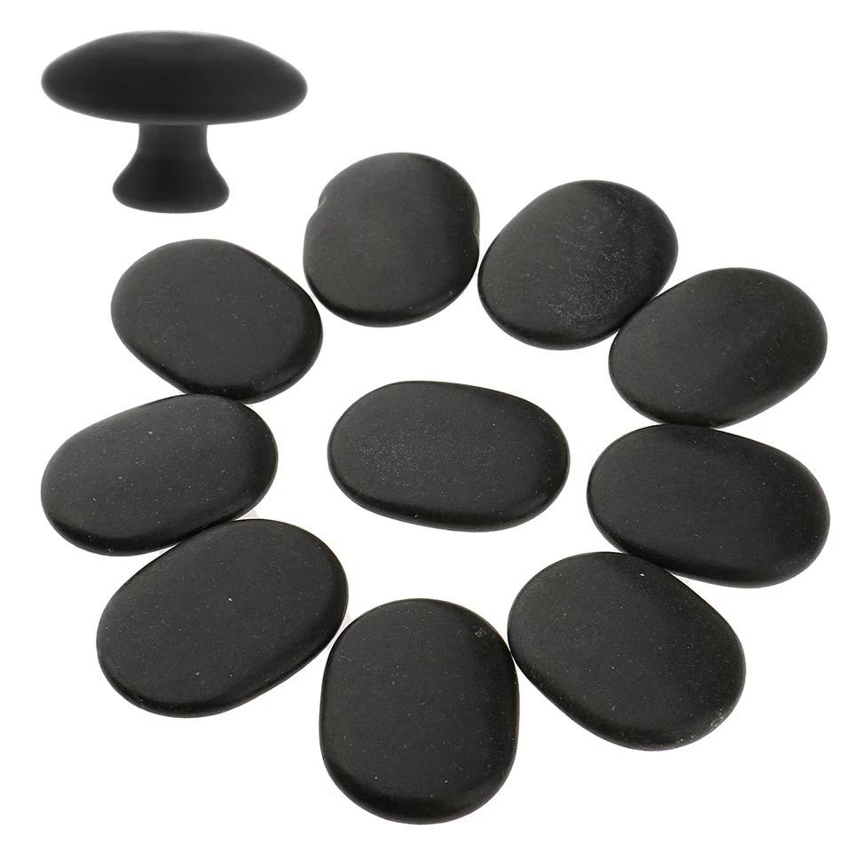 Masáž horúcimi kameňmi je Medzinárodne Akreditovaný Kurz, ktorý zahŕňa masáž teplými lávovými kameňmi, ich manipuláciu a obsluhu na krku , dekolte a ramenách.